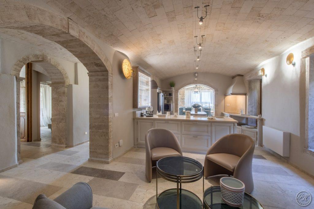 Cucina in legno in stile classico. Villa Galatea, San Vincenzo - GH Lazzerini, Toscana