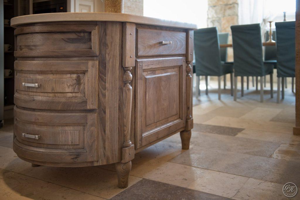 Mobile cucina in legno. Villa Galatea, San Vincenzo - GH Lazzerini, Toscana
